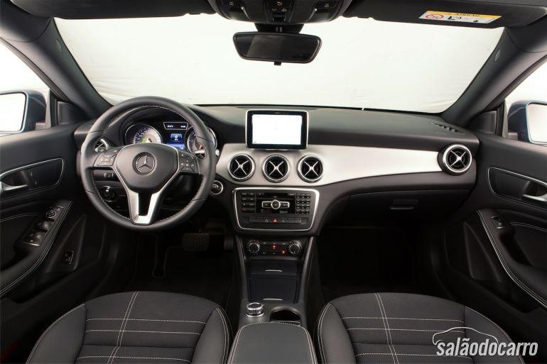 Interior da Mercedes-Benz CLA200