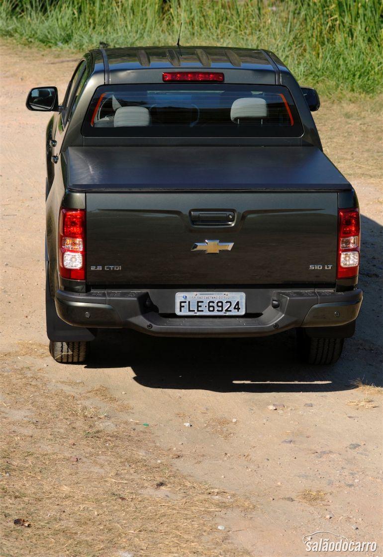 Traseira da Chevrolet S10 LT