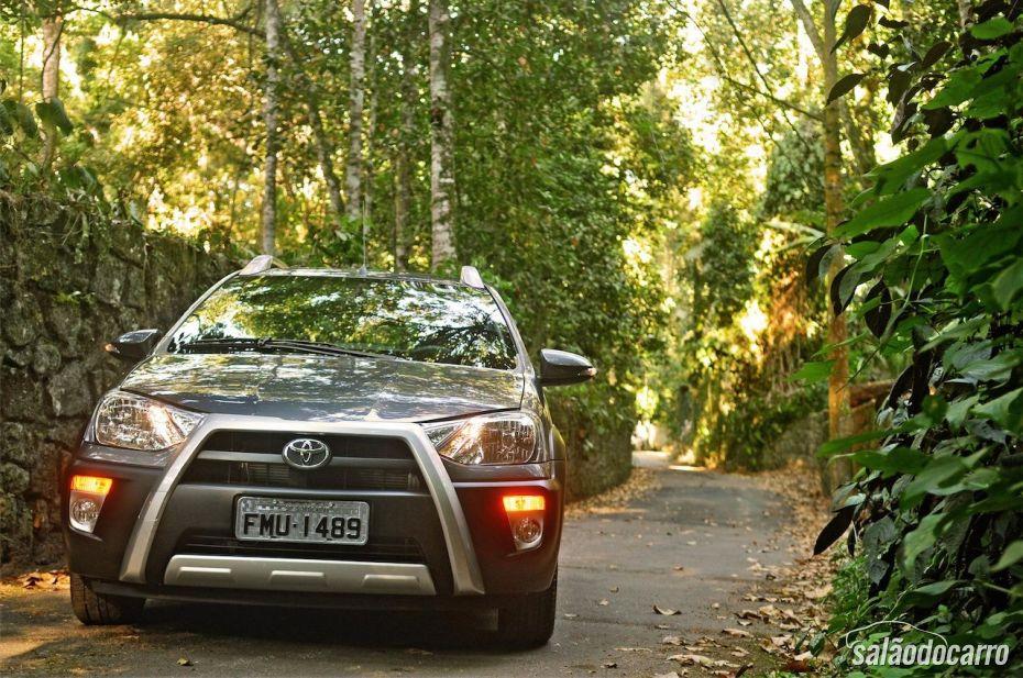 Toyota Etios Cross - Foto 1