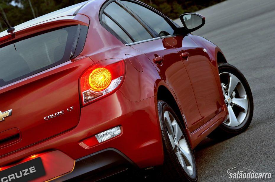 Cruze Sport6 LT - Vermelho