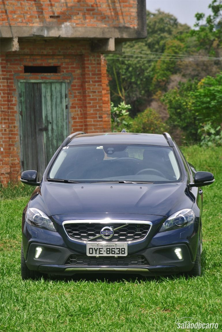 Frente do Volvo V40 Cross