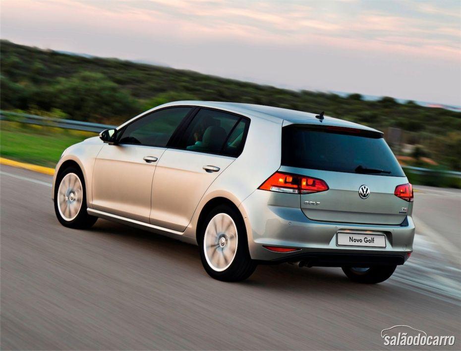 Novo Golf Comfortline na cor Prata - Traseira do carro