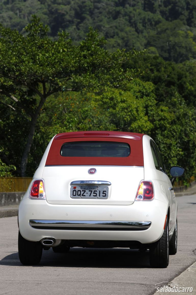 Traseira do Fiat 500 Cabrio