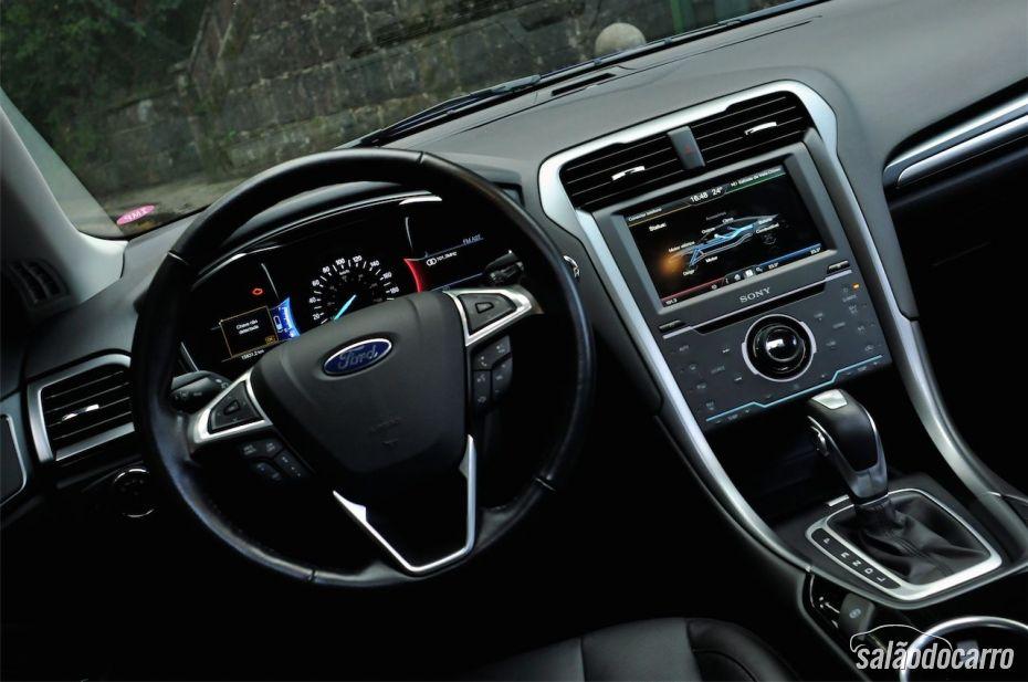 Ford Fusion Titanium Hybrid - Foto 4