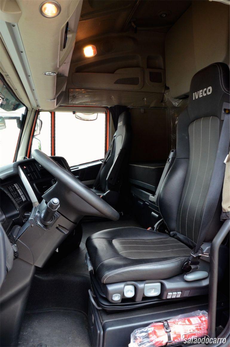 Interior da Iveco Hiway 560
