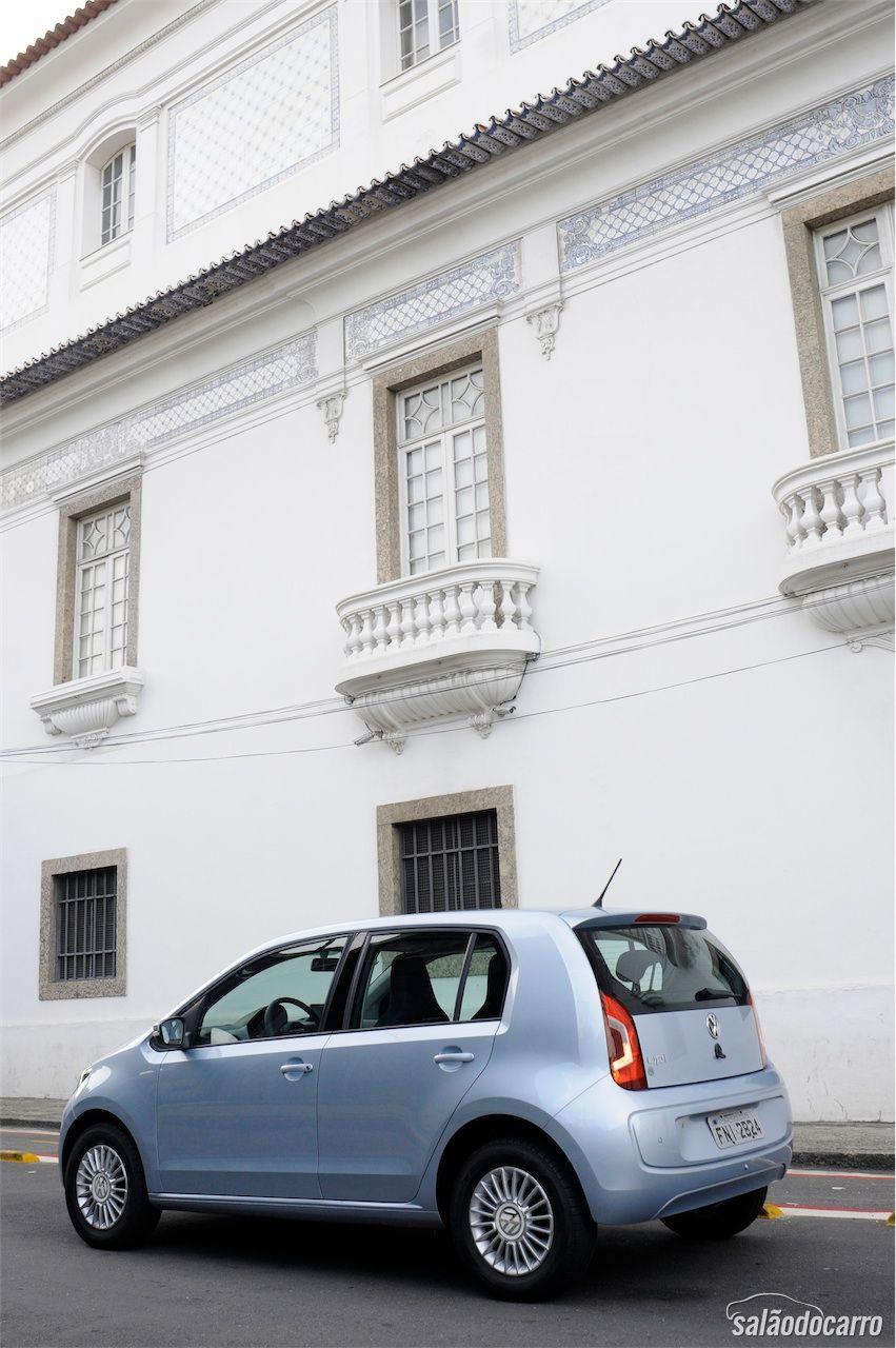 Visão lateral do Volkswagen up!