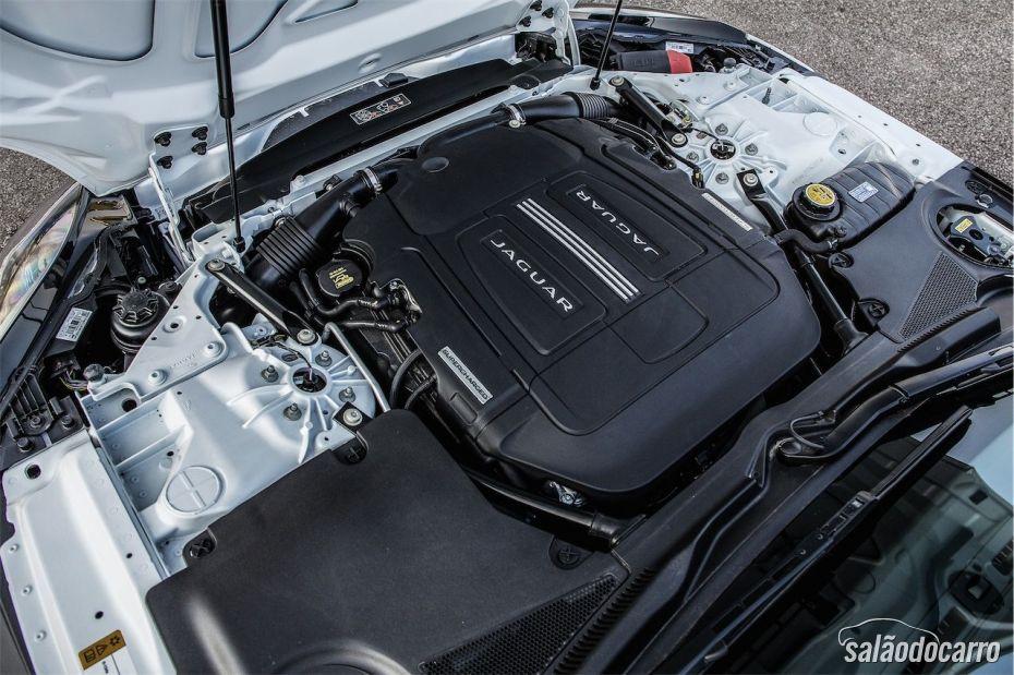 Motor V8 do Jaguar F-Type