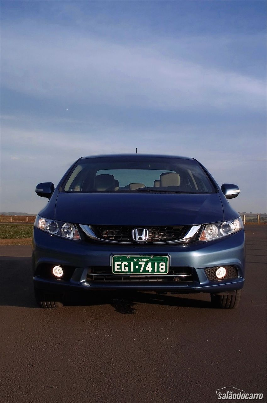 Frente do novo Honda Civic 2015