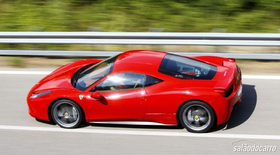 Ferrari 458 Italia ganhará facelift em 2015