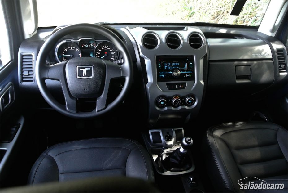 Interior do novo Troller T4