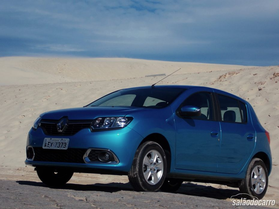 Renault Sandero - Foto 1