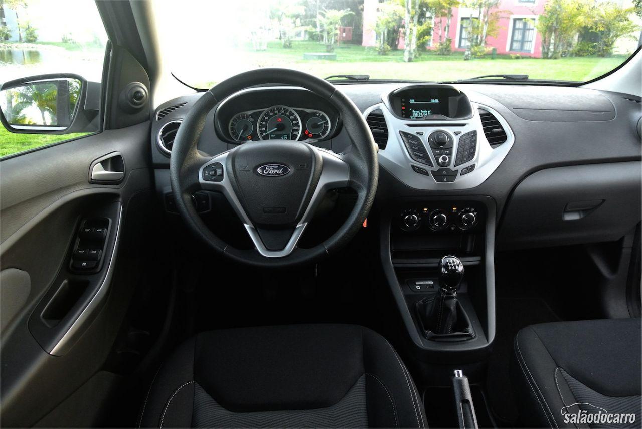 impress es dos novos ford ka e ka sedan testes sal o do carro. Black Bedroom Furniture Sets. Home Design Ideas