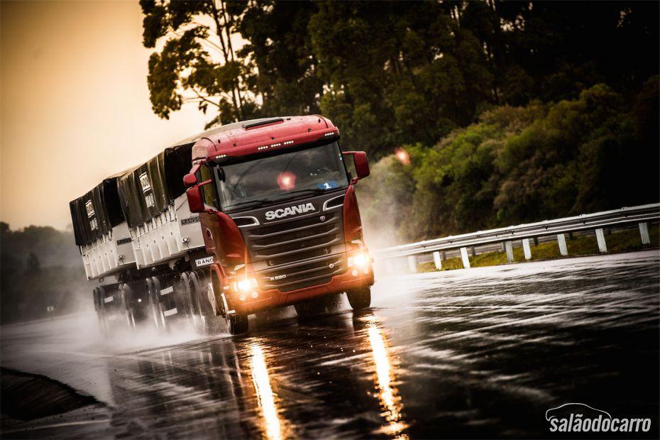 Scania V8