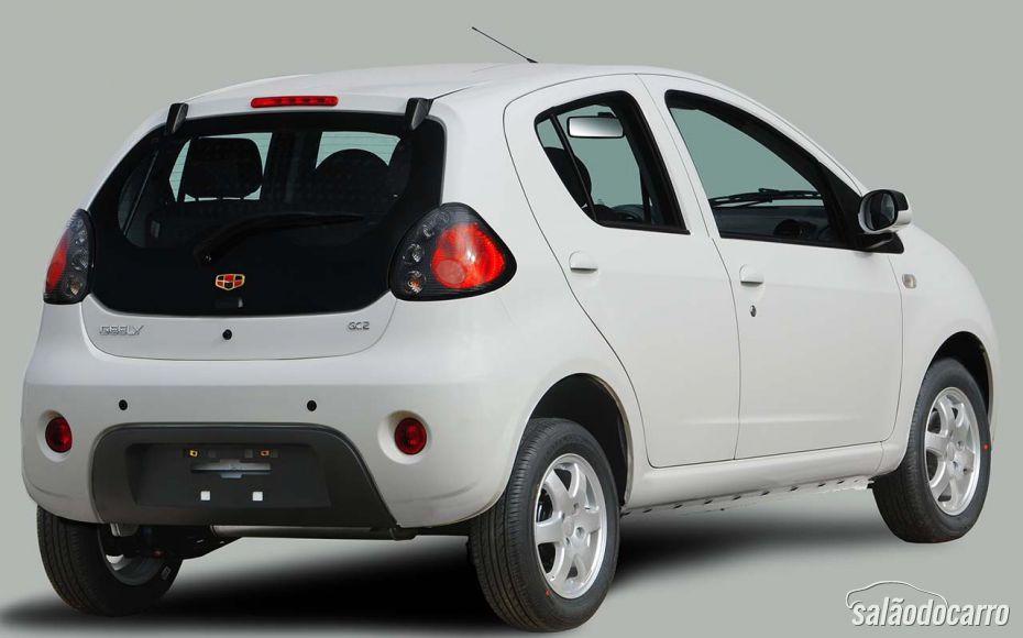 Geely GC2 chega com motor 1.0 por R$ 29.900