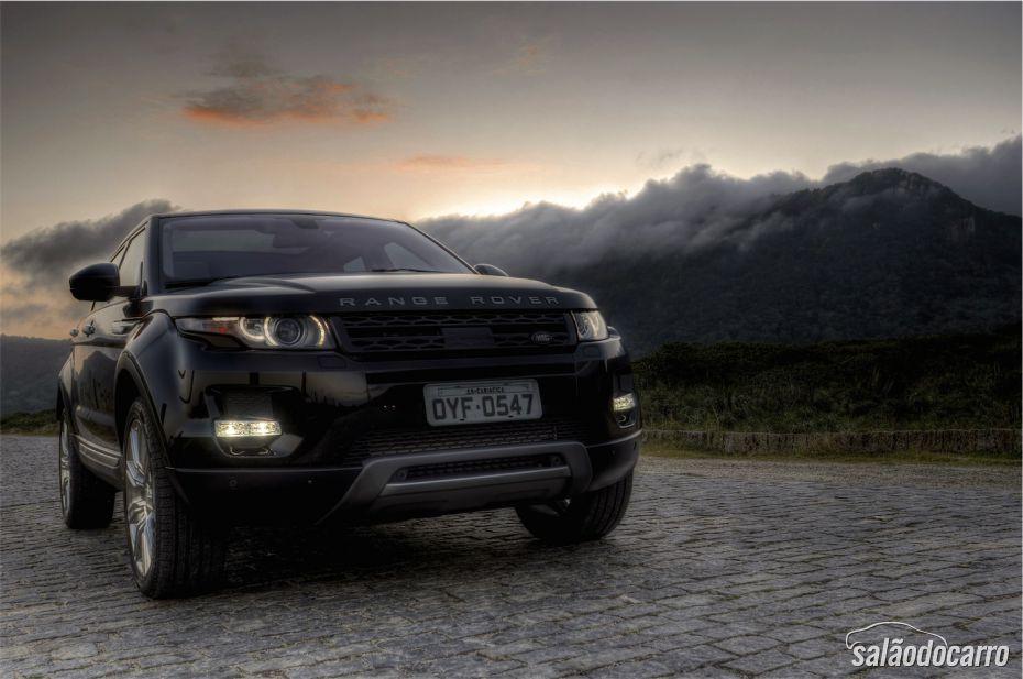 Range Rover Evoque, sob um ar sombrio
