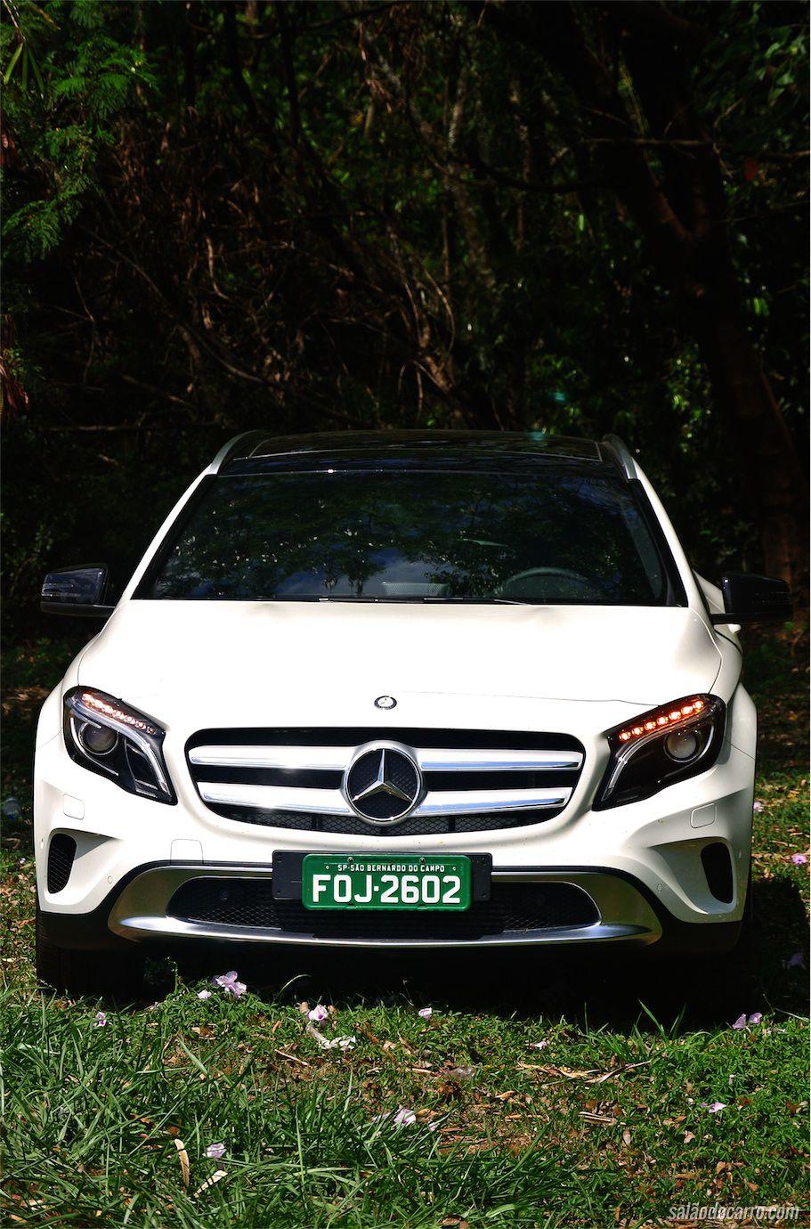 Novo GLA adota identidade moderna da Mercedes-Benz