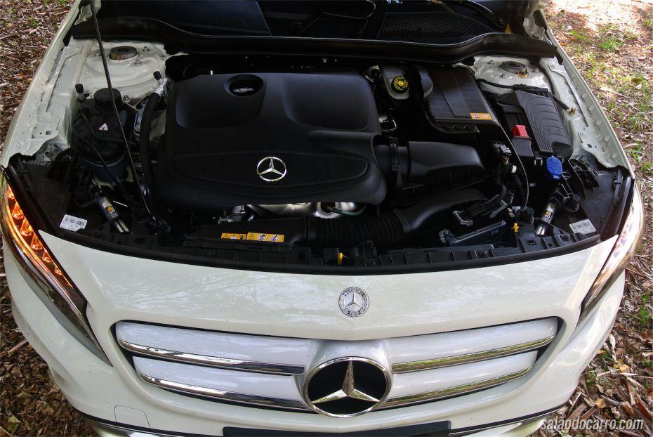 Sob o capô, o motor 1.6 turbo de 156 cv