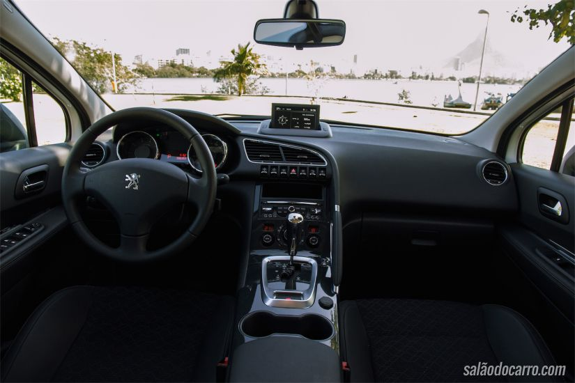 Interior do Peugeot 3008 Griffe