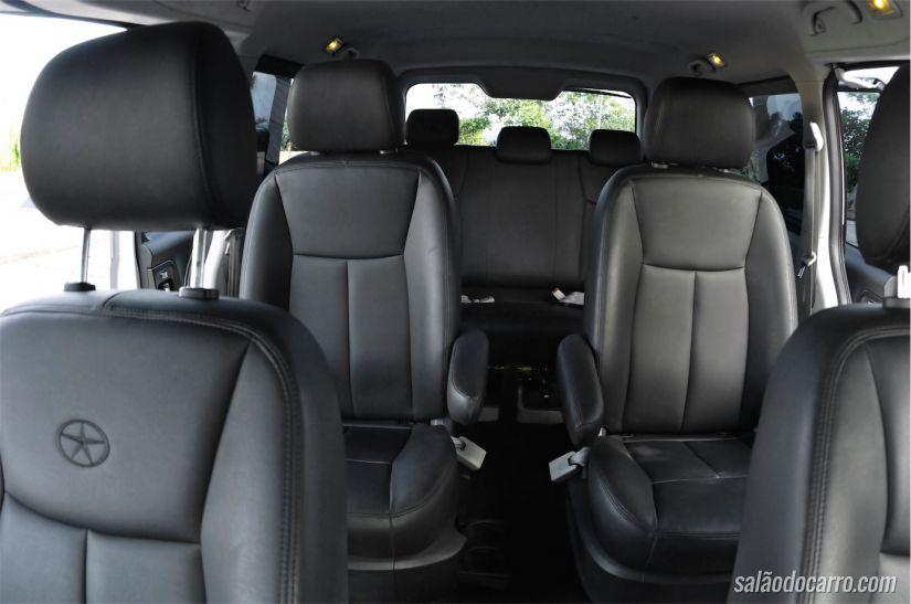 Espaço interno da van T8