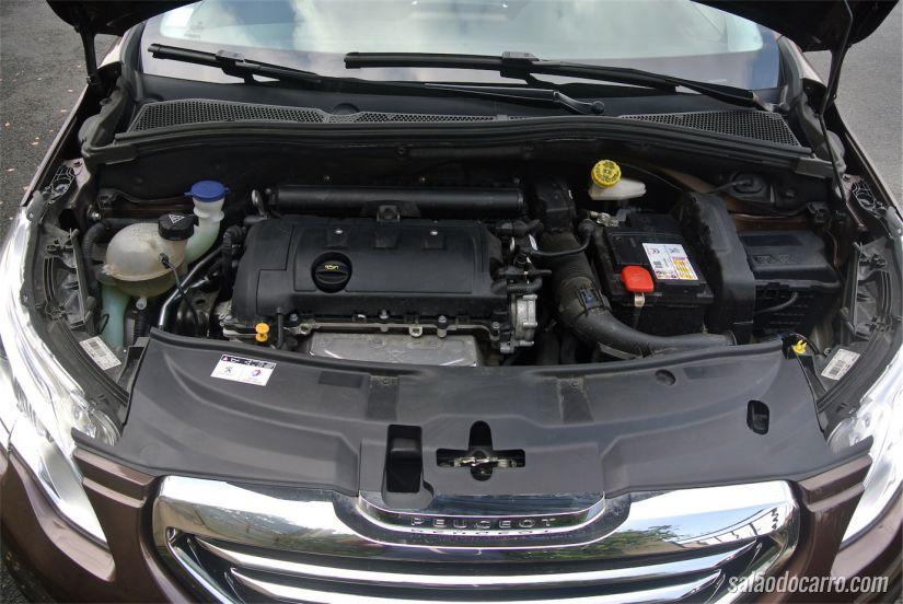Motor da versão testada: 120 cv