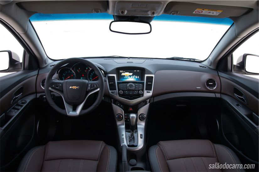 Interior do Chevrolet Cruze 2015 - Versão LTZ