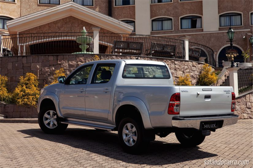 Toyota Hilux SRV4X2 automática