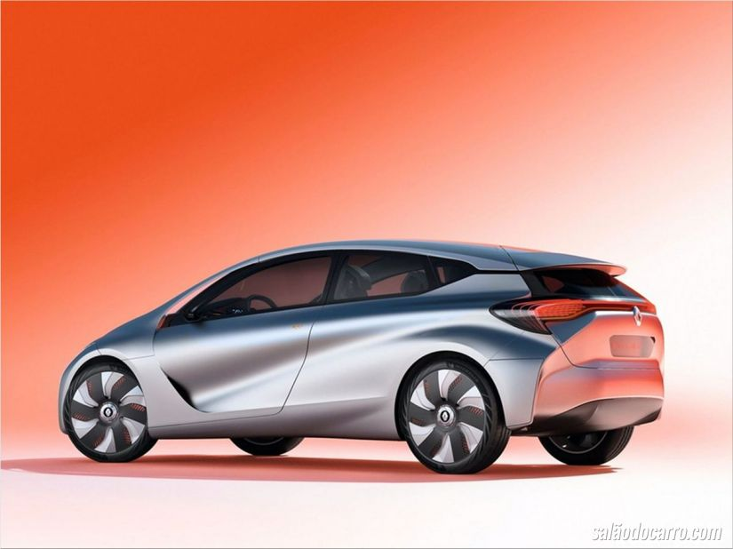 Renault desenvolve cross-hatch