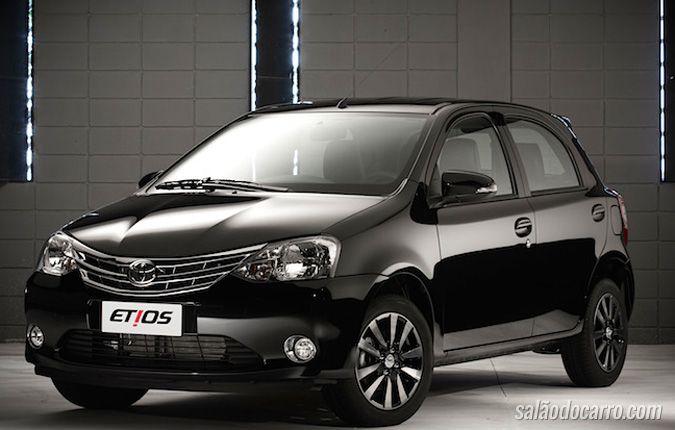 Toyota reajusta preços dos carros de 2015