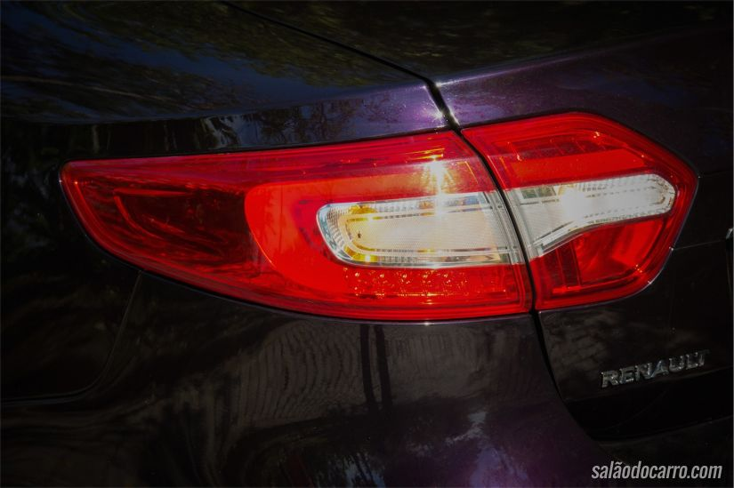 Detalhe a lanterna traseira