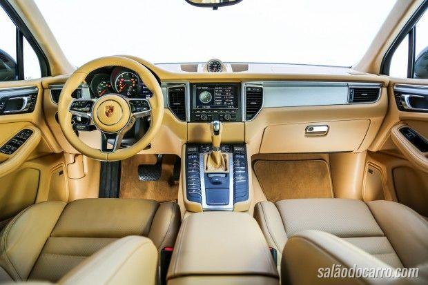 Porsche Macan 2.0 Turbo chega por R$ 299 mil