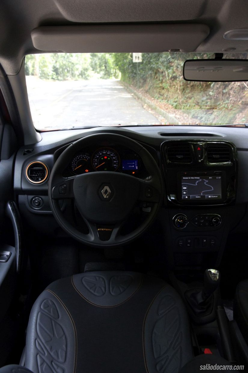 Interior do Sandero Stepway Easy R