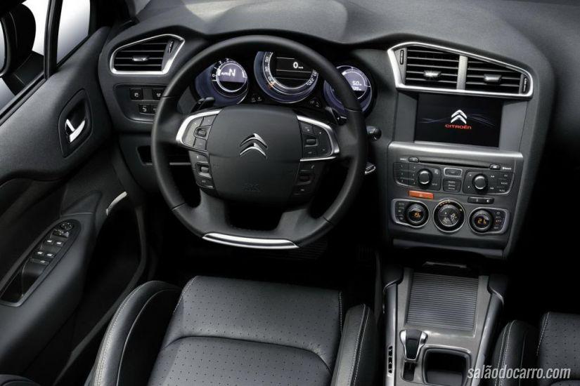 Citroën C4 Hatch ganha economia e faz 30 km/litro