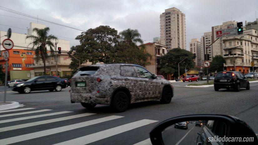 Flagra da nova geração da BMW X1