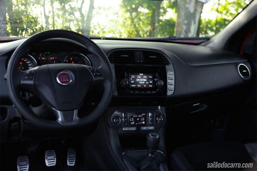 Interior do Fiat Bravo T-Jet