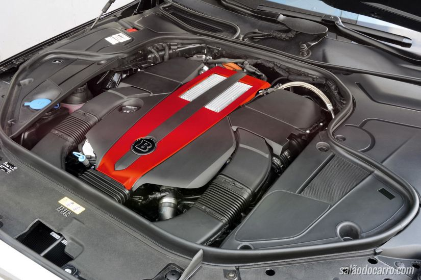 Brabus apresenta Classe S híbrido de 493 cv