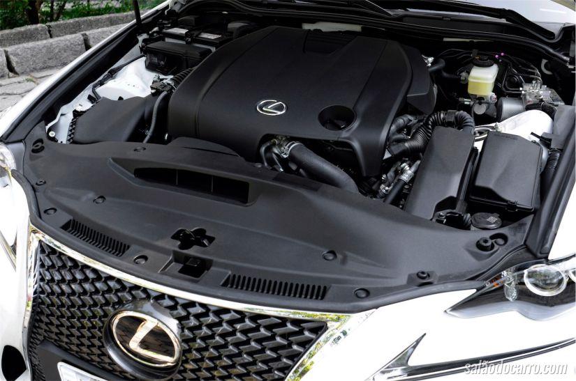 Motor do sedan rende até 208cv com torque de 25,2kgfm