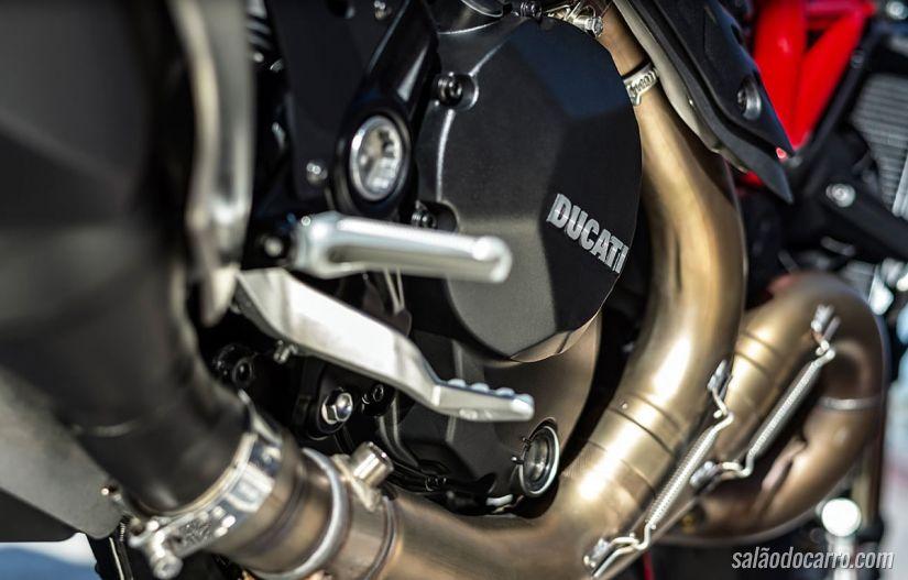 Ducati Monster 1200 R chega com motor de 160 cv