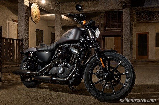 Harley Iron 883 chega com visual arrasador