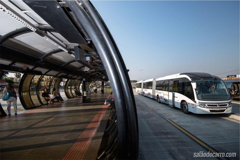 Ônibus biarticulado