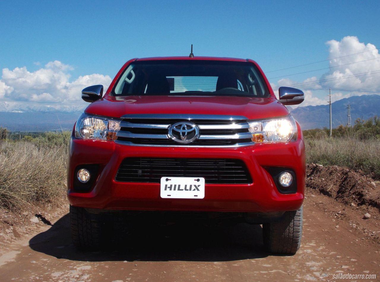 Nova Toyota Hilux 2016 Testes Salao Do Carro