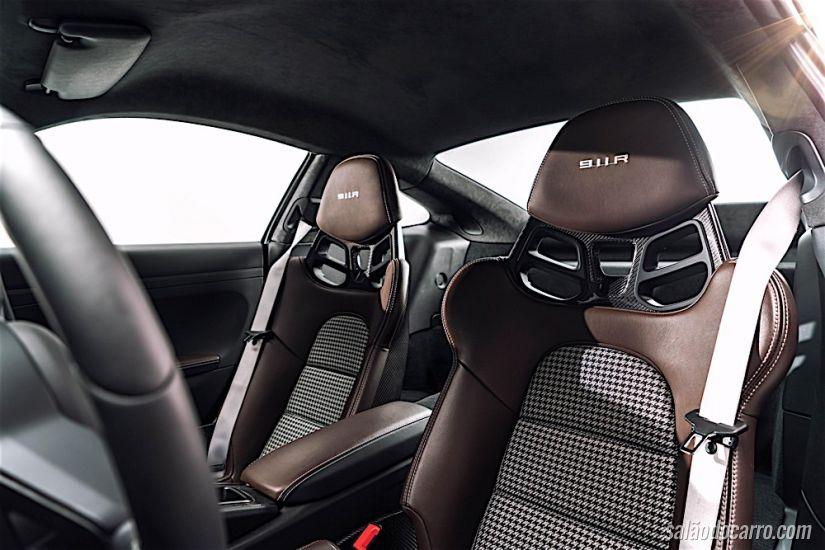 Porsche lança 911 R com câmbio manual
