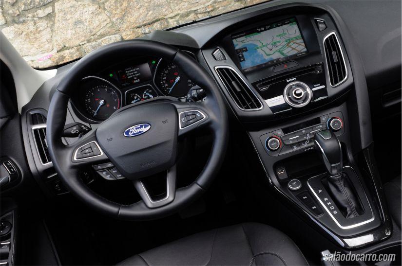 Ford Focus Titanium Plus sedã