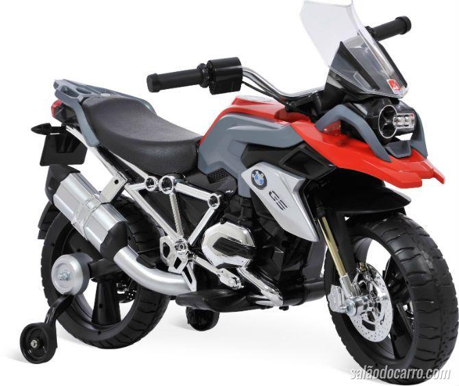 BMW faz moto infantil e vende por R$ 2.499