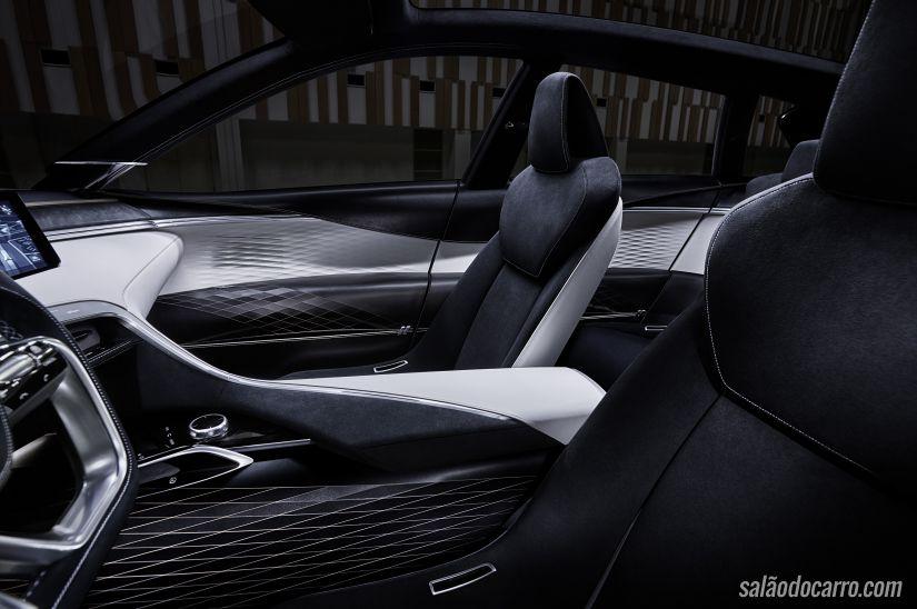 Infiniti prepara motor V6 com economia de diesel