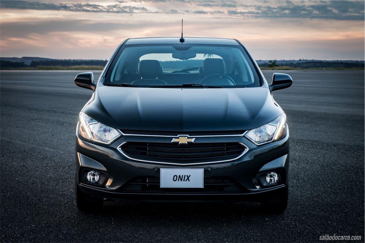 8f922480e744ff Chevrolet Onix e Chevrolet Prisma linha 2017 - Testes - Salão do Carro