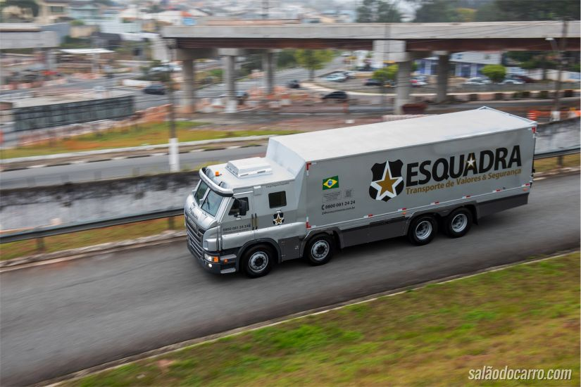 Scania semipesados 8X2 blindados