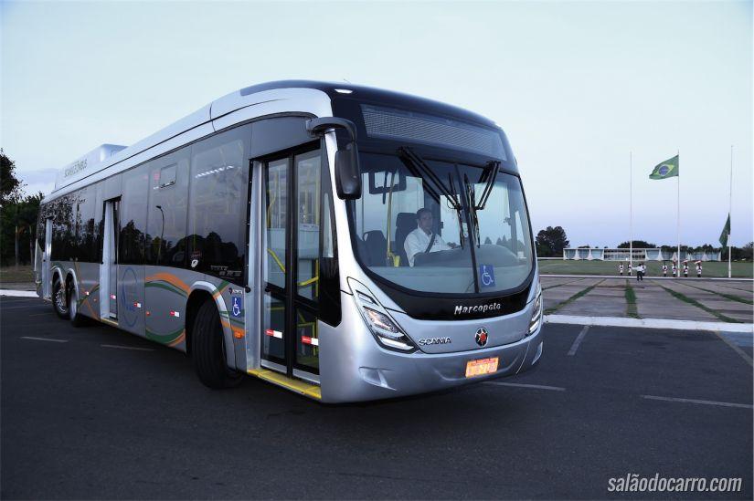 Ônibus Scania movidos a biometano e GNV