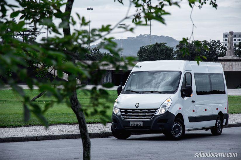 Renault Master Minibus L3H2 16 Lugares