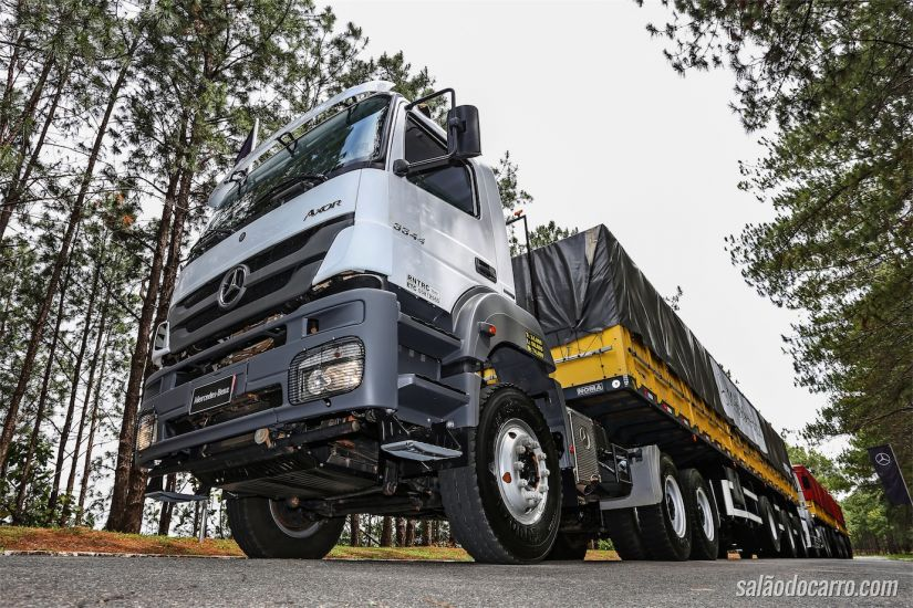 Mercedes-Benz Axor off-road