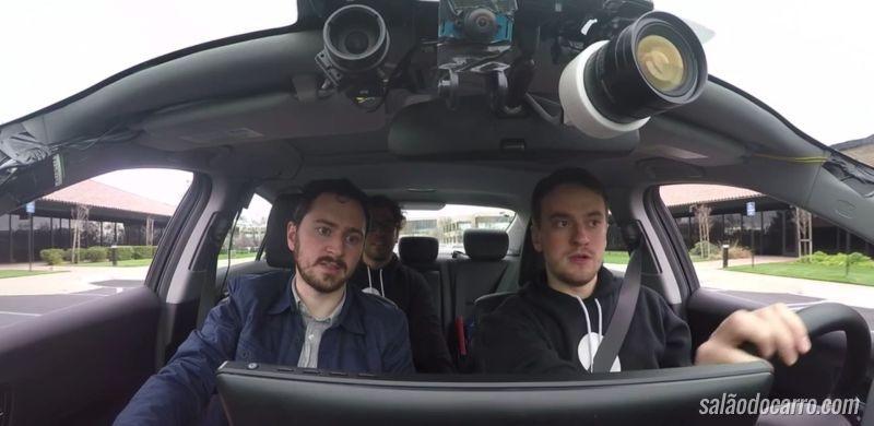 Hacker revive projeto de carro autônomo